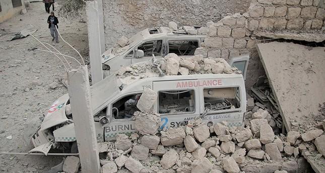 طائرات الأسد تقصف مركزاً طبياً في إدلب وتقتل 15 مدنياً