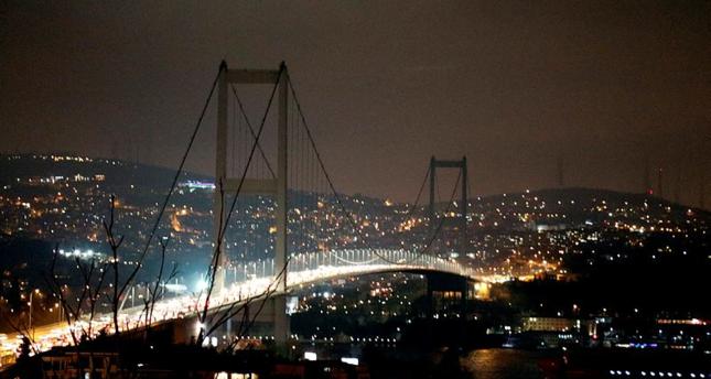 تركيا تطفئ أنوار أبرز معالمها في إطار حملة ساعة الأرض