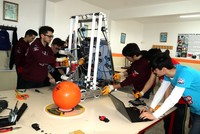 High schoolers to compete in world championship with 'super robot'