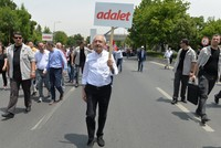On Friday, Republican People's Party (CHP) Chairman Kemal Kılıçdaroğlu continued the second day of his 450-kilometer-long journey to Istanbul from capital Ankara after CHP lawmaker Enis Berberoğlu...