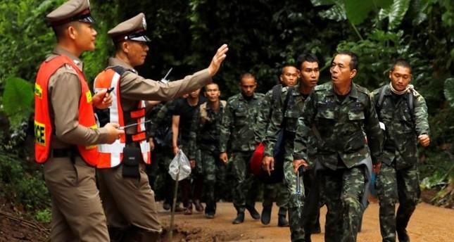 القبض على جندي تايلندي مصاب بالإيدز قام باغتصاب عشرات المراهقين