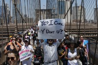 Judge gives US six months to identify separated migrant children