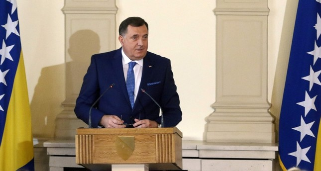 Newly elected member of Bosnia and Herzegovina's tripartite presidency, Bosnian Serb member Milorad Dodik, delivers a speech during the presidential inauguration ceremony at the Bosnian presidency in Sarajevo on November 20, 2018. (AFP Photo)
