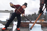 Resort keeps alive tradition of harvesting ice from lake