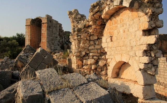 Ancient baths unearthed in Turkey's Mersin province