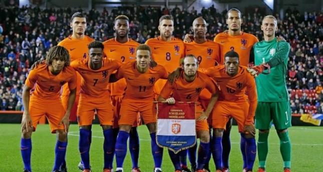 تعادل إيجابي بين منتخبي إيطاليا وهولندا