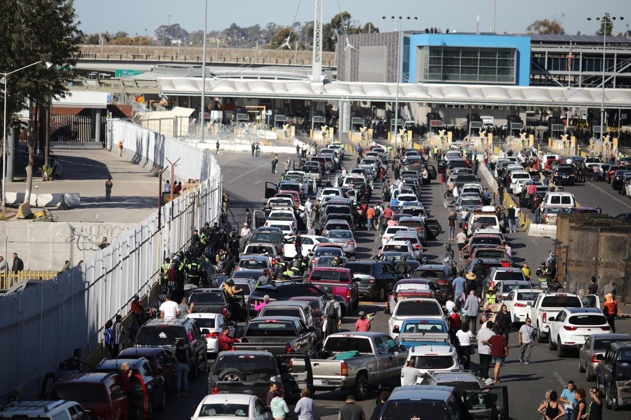 The San Ysidro border crossing between the U.S and Mexico is closed to prevent a caravan of thousands traveling from Central America from crossing, in Tijuana, Mexico November 25, 2018. (Reuters Photo)