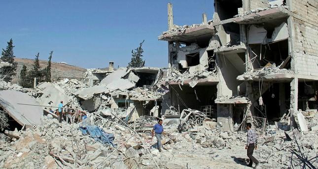 سوريا.. مقتل 10 مدنيين في غارة روسية بـالنابالم على خان شيخون
