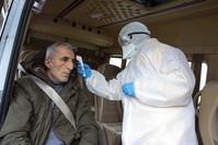 فرق طبية تفحص حرارة المسافرين في مداخل ومخارج إسطنبول الأناضول