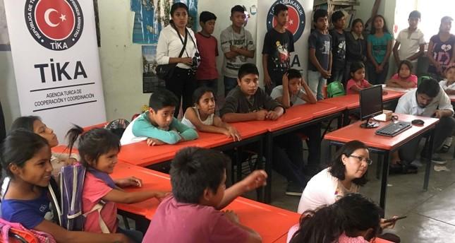تيكا التركية تنشئ مكتبات إلكترونية لطلاب يفتقدون خدمة الإنترنت بالمكسيك
