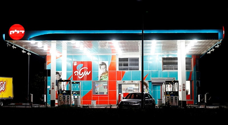 A Delek petrol station is seen near the southern city of Ashdod, Israel, July 27, 2011. (Reuters Photo)