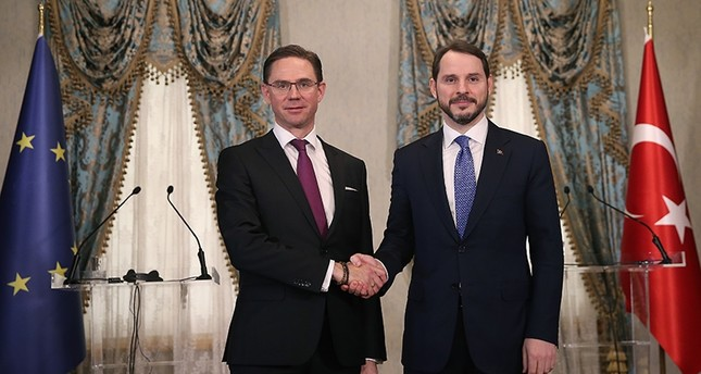 Minister of Treasury and Finance Berat Albayrak, right, and Jyrki Katainen, left, EU Commission vice president, during a joint news conference following the high-level meeting between EU and Turkey, in Istanbul, Thursday, Feb. 28, 2019. (AA Photo)