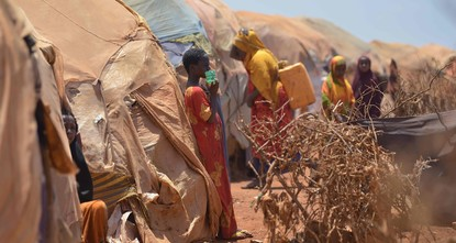 pThousands of people in drought-stricken Somalia are heading to cities in search of food, water and medical help, as the crisis continues to claim lives./p