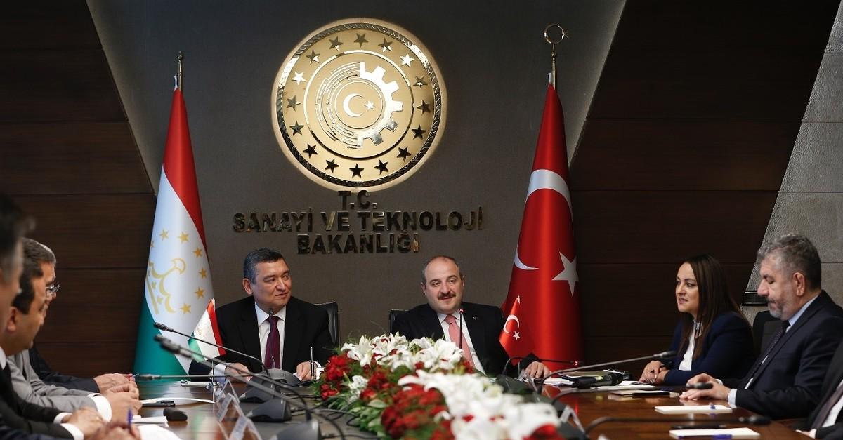 Industry and Technology Minister Mustafa Varank (R) and Tajikistanu2019s Minister of Economic Development and Trade Nematullo Hikmatullozoda (L) during the 10th Turkey-Tajikistan Joint Economic Commission (JEC) meeting, Ankara, Aug. 6, 2019.