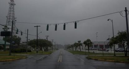 إعصار باري يصل ولاية لويزيانا ويتحول إلى عاصفة إستوائية