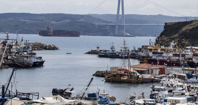 Abora IV makes first stop at Bosporus on way to Egypt
