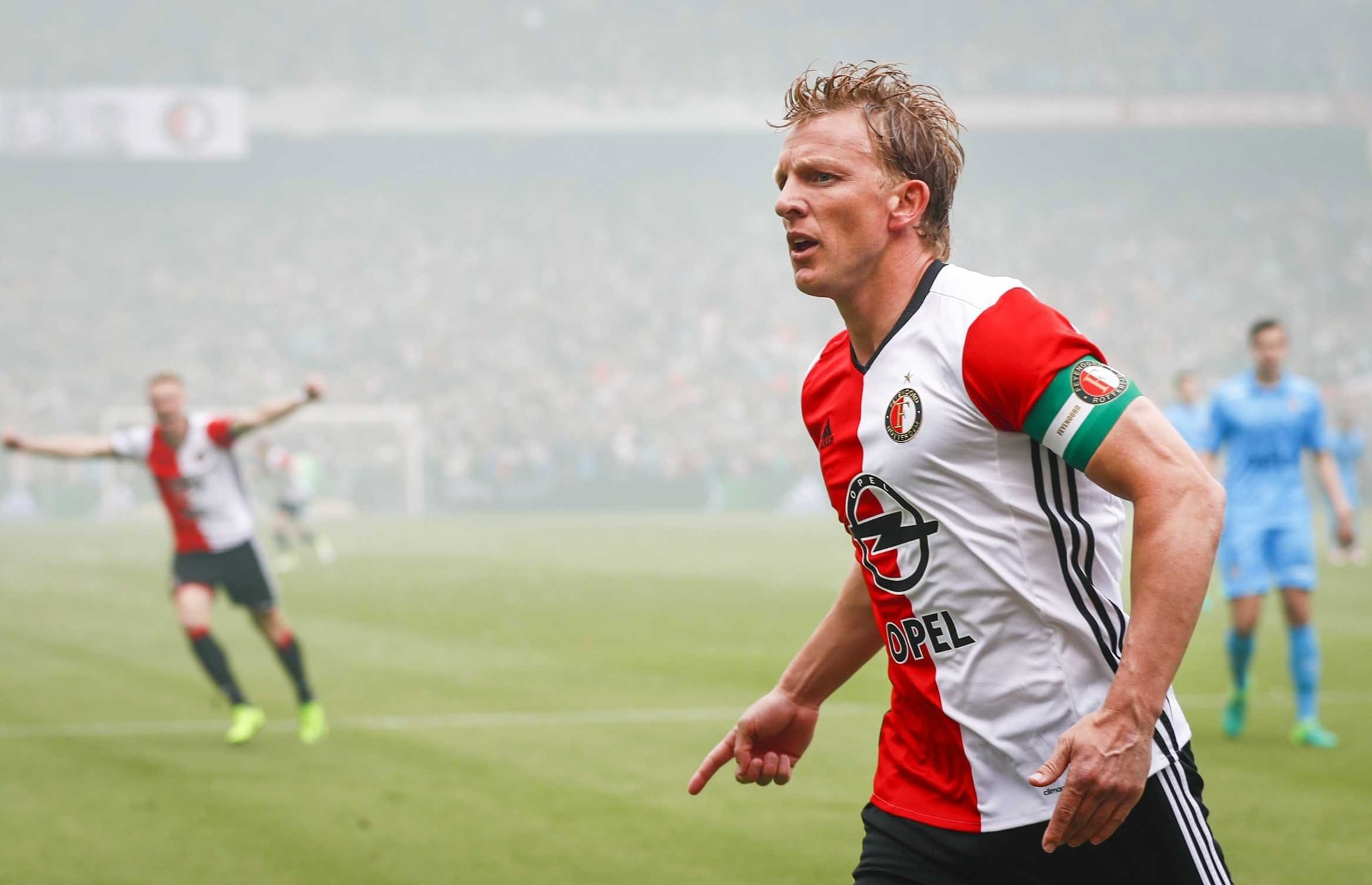 Feyenoord's Dirk Kuyt celebrates after scoring a goal during the Dutch Eredivisie match between Feyenoord Rotterdam and Heracles Almelo, 14 May 2017. (EPA Photo)