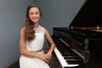 Nehir Özzengin, from İzmir province, has been attracting attention in international piano competitions since she was 9 years old.  At the age of 4, Nehir Özzengin, now 12, started demonstrating a...