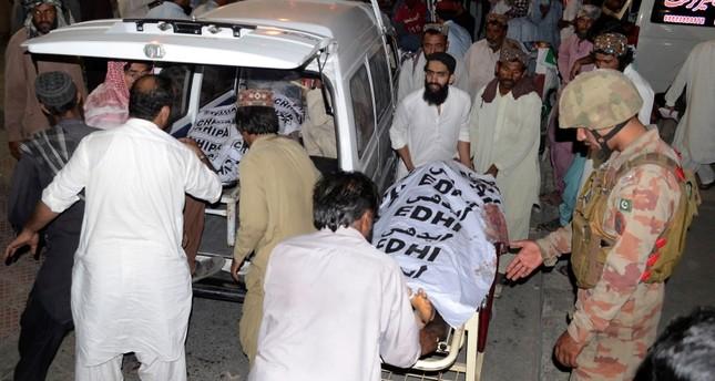 128 قتيلاً في تفجير انتحاري لتنظيم داعش استهدف تجمعاً انتخابياً في باكستان