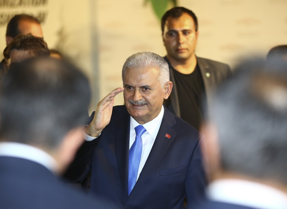 During his Singapore and Vietnam visit, the prime minister will be accompanied by ministers and business figures to attend forums organized by Turkey's Foreign Economic Relations Board (DEIK) in cooperation with the Ministry of Economy.