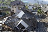 الرئيس الإندونيسي يأمر الجيش بالمشاركة في إجلاء متضرري تسونامي
