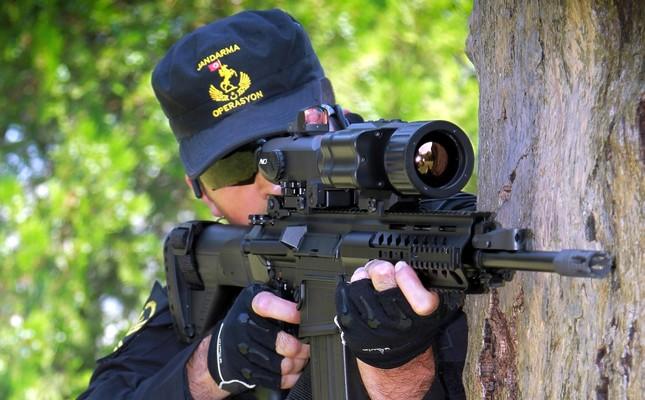تقرير: تركيا ستصبح من أكبر مصدري الصناعات العسكرية إلى آسيا والباسيفيك Turkish-military-set-to-switch-to-locally-made-rifle-1481144340562