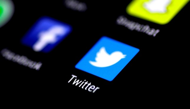 Twitter finds 200 accounts tied to Russian-linked Facebook profiles