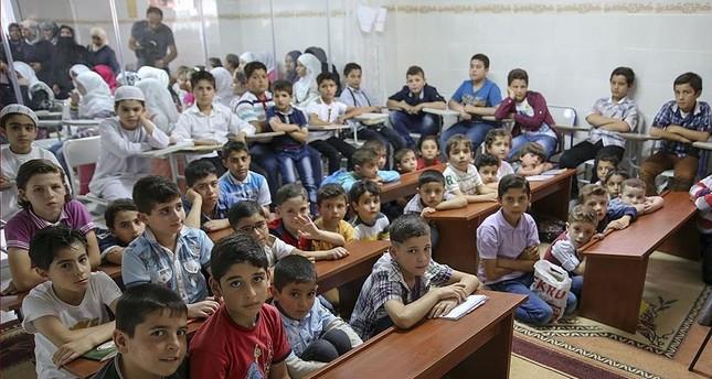 تركيا تنظم دورات الاندماج الاجتماعي لـ21 ألف طفل سوري