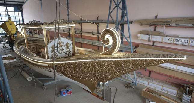 مهندس تركي يحاول إحياء التراث العثماني بصناعة قوارب السلاطين