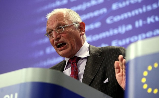 This file photo shows former Vice-President of the European Commission and EU commissioner in charge of enterprise and industry, German Guenter Verheugen gives a news conference at the EU headquarters in Brussels, Belgium, Oct. 22, 2009. (EPA Photo)