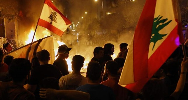 Lebanese protesters' discontent against political elite grows