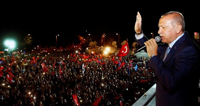 Erdoğan addresses the crowd in Istanbul after the victory (AA Photo)