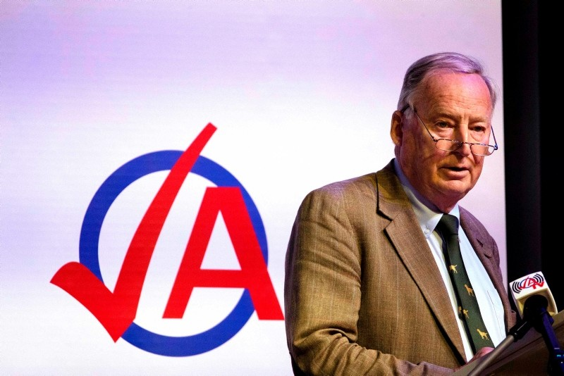 Federal spokesman of the far-right party Alternative for Germany (AfD) Alexander Gauland speaks during the party congress of the party's youth party ,Junge Alternative, in Seebach, eastern Germany, on June 2, 2018. (AFP Photo)