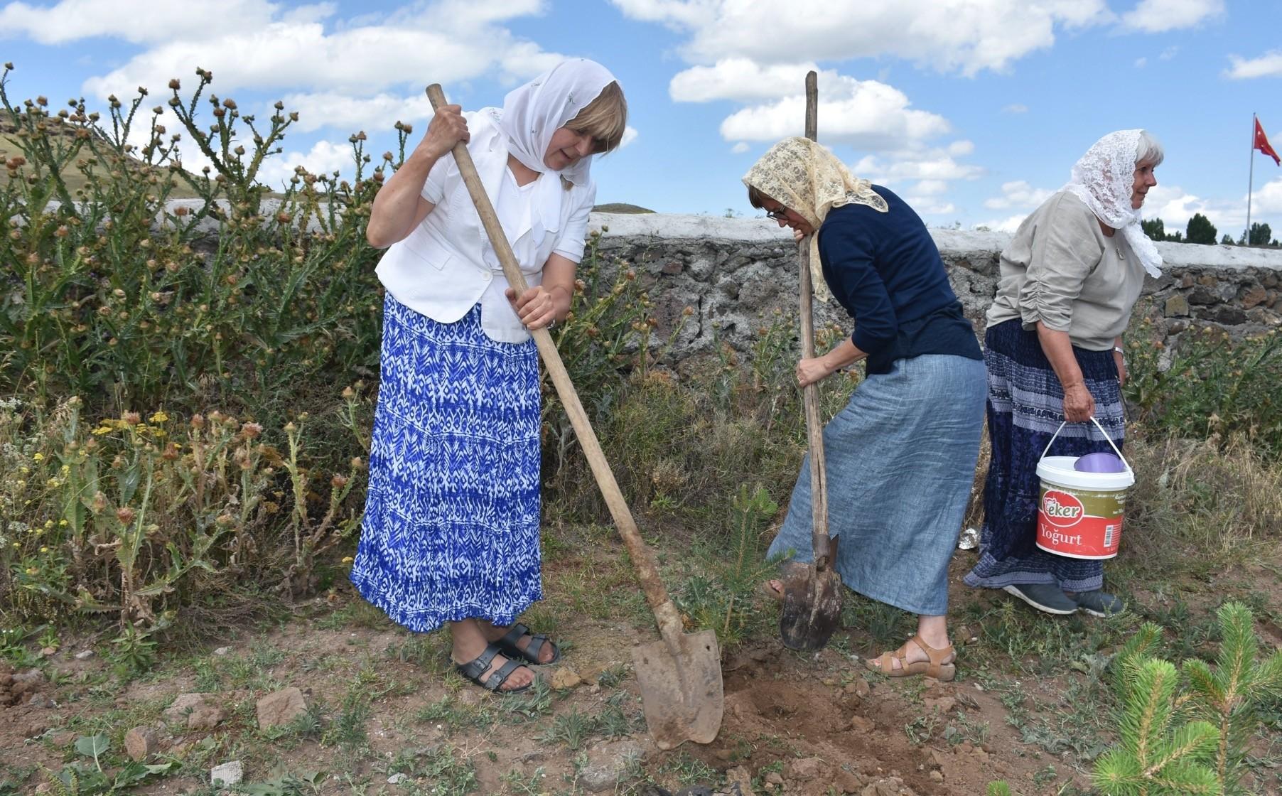 The grandchildren of the Dukhobors planted saplings in their grandparentsu2019 memory.