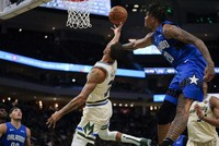 Bucks top Magic for 15th straight win, Antetokounmpo gets 32