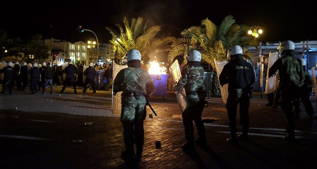 Greek far-right group attacks migrants protesting conditions in Lesbos