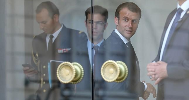 ماكرون يجتمع مع أطراف النزاع الليبي ويدعو لضرورة اتخاذ قرارات