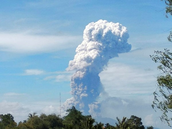 The Mount Soputan volcano in North Sulawesi province of Indonesia erupted, spewing a column of hot ash up to 4km high, according to a BNPB official.  (EPA Photo)