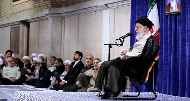 المرشد الاعلى للجمهورية الإسلامية (الفرنسية)