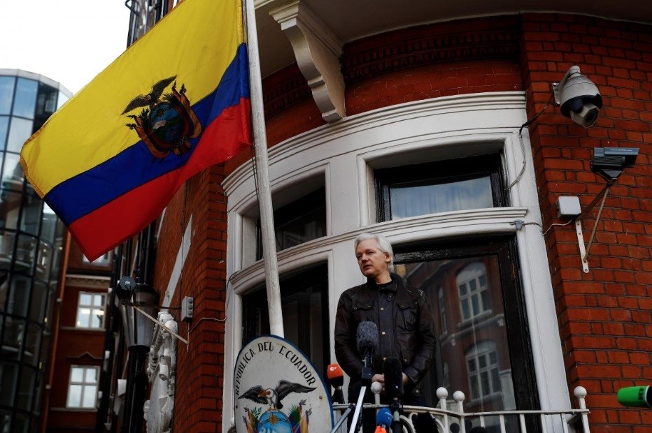 FILE PHOTO: WikiLeaks founder Julian Assange is seen on the balcony of the Ecuadorian Embassy in London, Britain, May 19, 2017. (Reuters Photo)