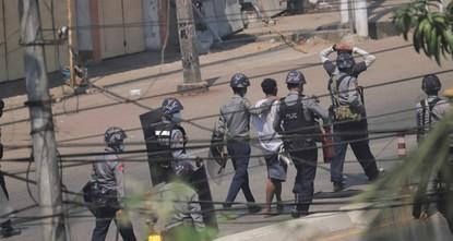 سلطة الانقلاب في ميانمار تطالب الهند بإعادة ضباط منشقين