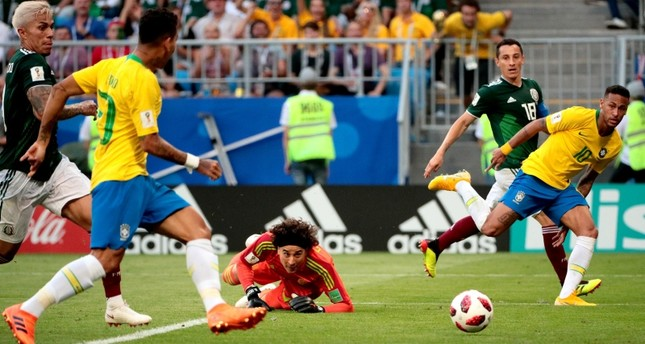 هدف البرازيل الثاني بتمريرة من أقدام نيمار إلى فيرمينهو الذي سجلها بسهولة
