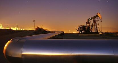 تراجعت أسعار النفط عن مكاسب كبيرة اليوم الخميس، لكنها تمكنت من أن تغلق عند أعلى مستوياتها في ثلاث سنوات، بعد أن اخترق خام القياس العالمي مزيج برنت مستوى 70 دولاراً للبرميل، بفعل علامات على نقص في...