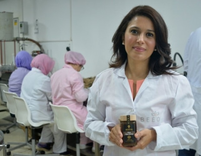 Aslı Elif Tanuğur Samancı poses with the propolis that she first produced for her son.