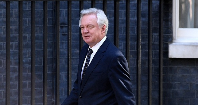 Britain's Brexit Secretary, David Davies arrives to the Cabinet meeting in London in Britain, 13 June 2017 (EPA Photo)