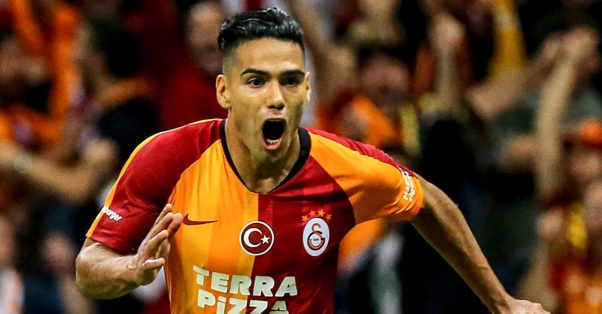 Galatasaray striker Radamel Falcao celebrates scoring his debut goal for the club during the Su00fcper Lig Week 4 football match between Galatasaray and Kasu0131mpau015fa at Tu00fcrk Telekom Stadium in Istanbul, Sept. 14, 2019. (AA Photo)