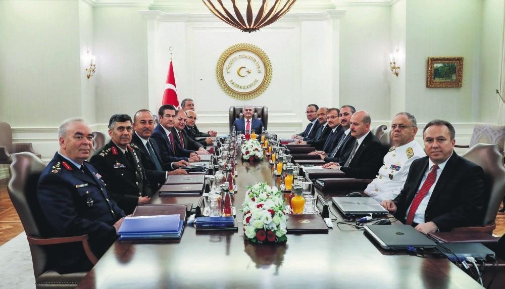 Prime Minister Binali Yu0131ldu0131ru0131m (C) chairs the Supreme Military Council (YAu015e) meeting at the u00c7ankaya Prime Ministry Office in Ankara, Aug. 2.