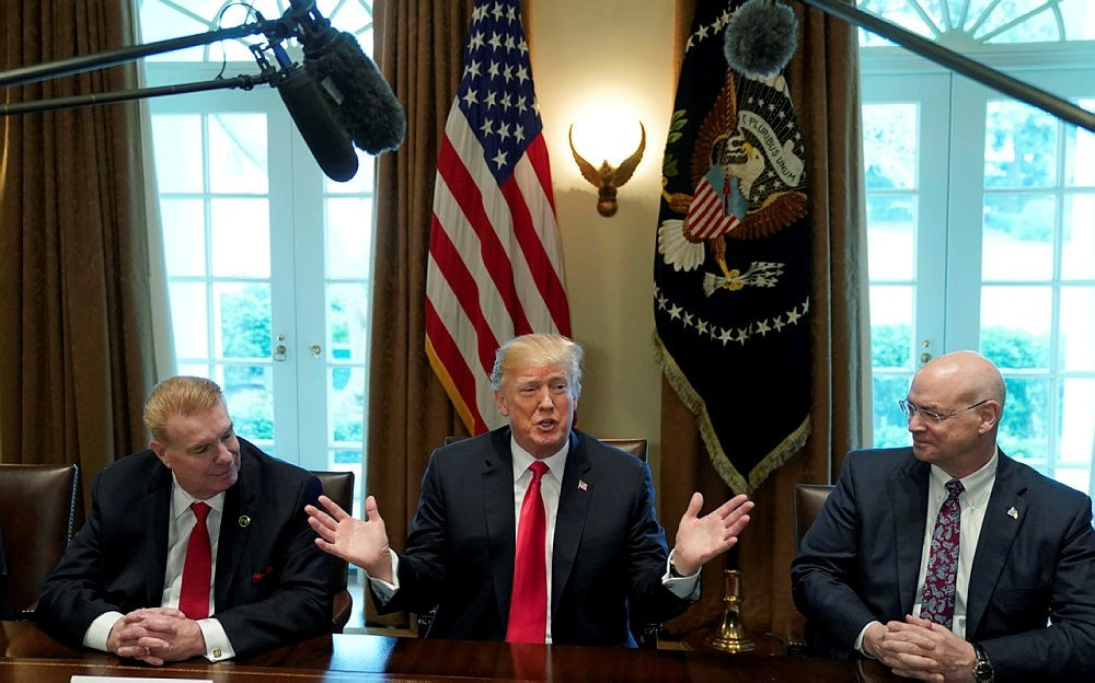U.S. President Donald Trump announces that the United States will impose tariffs on imported aluminum during a meeting at the White House in Washington, U.S., March 1, 2018. (REUTERS Photo)