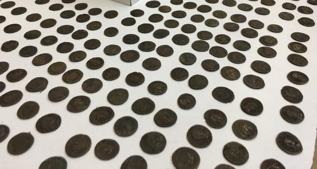 إسطنبول.. ضبط أكثر من 900 عملة معدنية أثرية