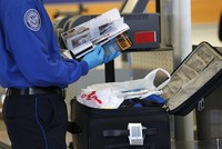 Los Angeles airport fails to detect gun in hand luggage